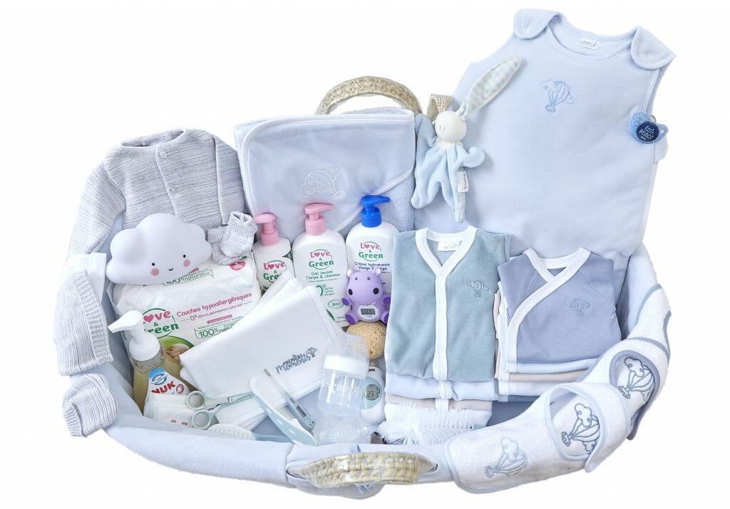 3dca442d64c66 Trousseau de naissance bébé - Valise de maternité - Premiers Moments