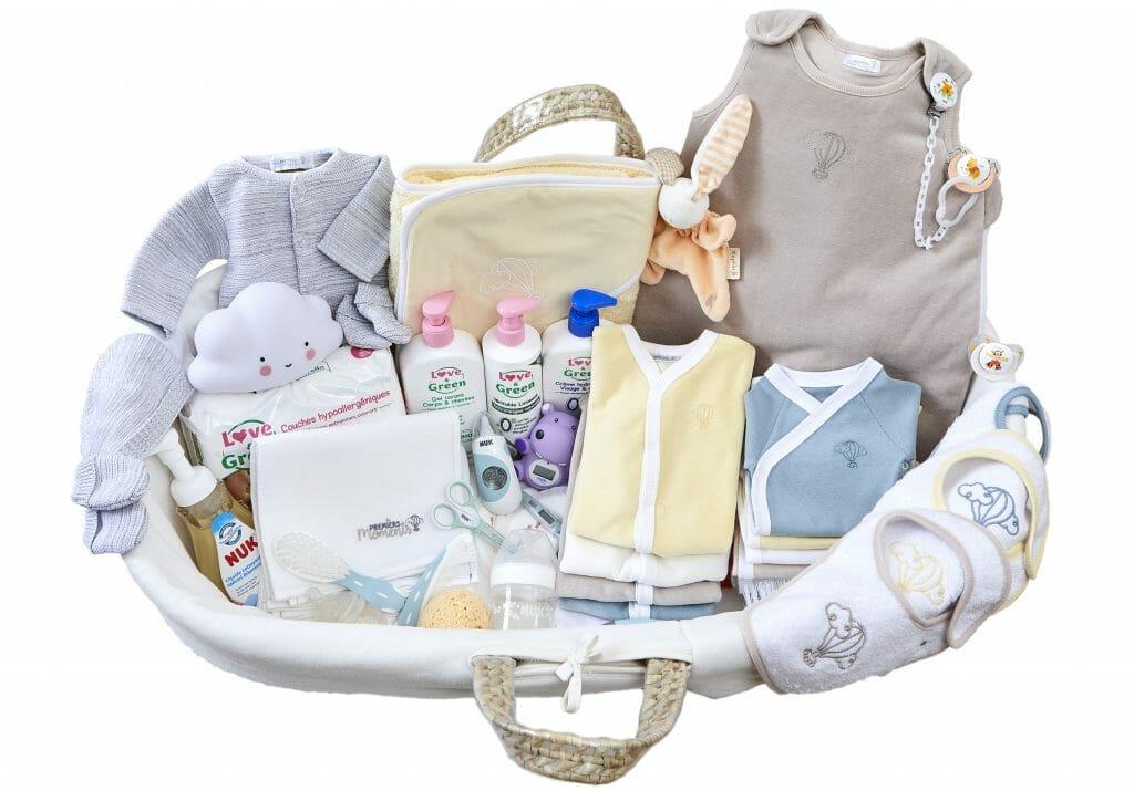 Trousseau de naissance Premiers Moments Nuage - Valise de maternité - Cadeau de babyshower - Cadeau de naissance