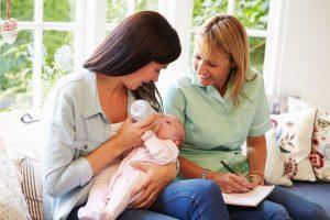 sage-femme à la maison post-natal